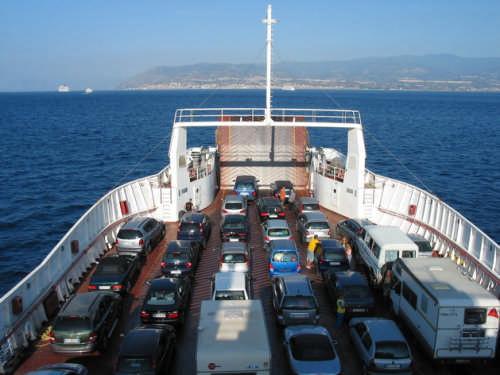 Vigili del fuoco precari bloccano traghetti a Villa San Giovanni$