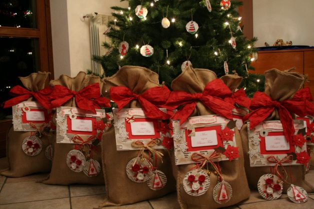 Regali Di Natale Romantici.I Regali Di Natale Piu Venduti Cosa Scelgono Gli Italiani